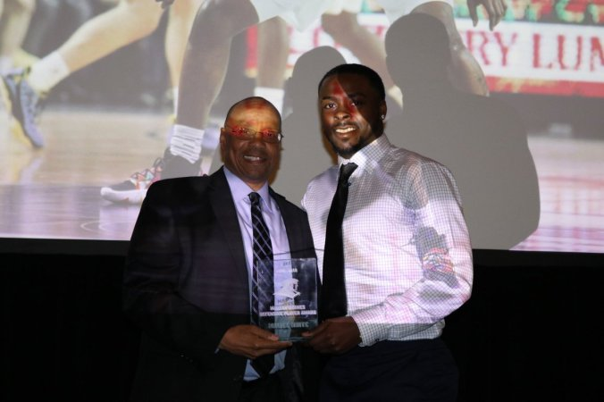 Marvin Barnes Defensive Player Award - Maliek White